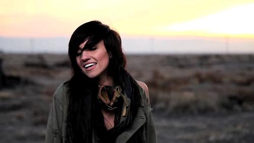 Banner-Music Video