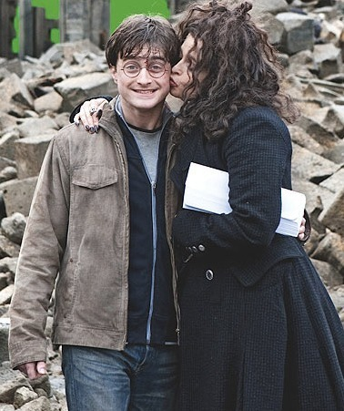 bellatrix lestrange wallpaper with an outerwear titled Bellatrix and Harry