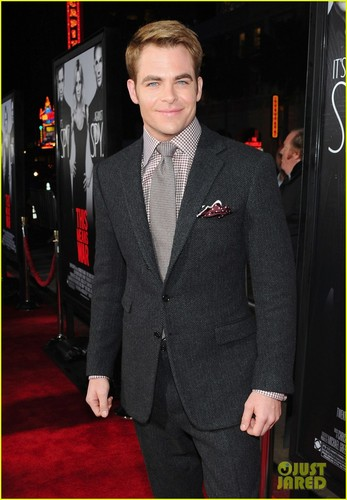 Chris Pine Premiere 'This Means War' in Hollywood - chris-pine Photo