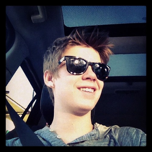 Colin Ford 壁纸 containing sunglasses titled Colin