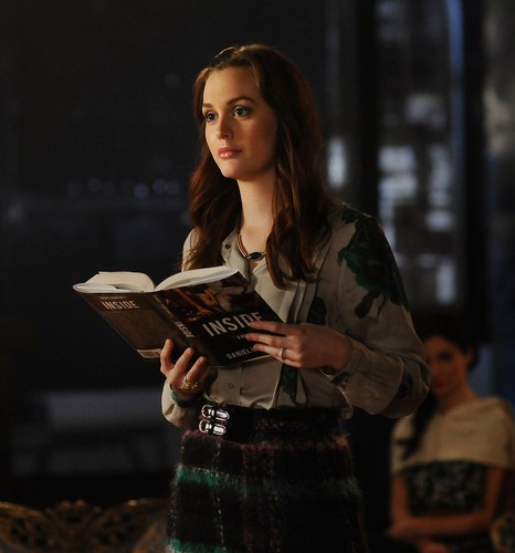 Blair Waldorf wallpaper titled Gossip Girl 5.16 - 'Cross Rhodes'