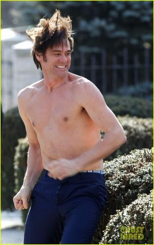 Jim Carrey: Shirtless '30 Rock' Cameo in Queens!