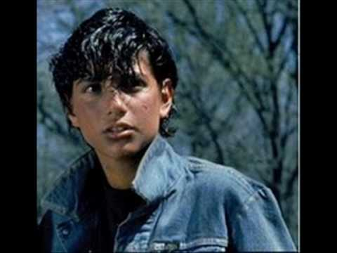 The Outsiders achtergrond probably with a portrait entitled Johnny Cade-Ralph Macchio