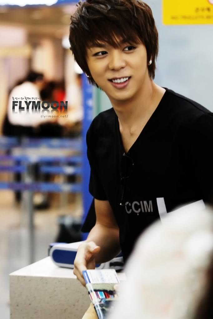 bas prix bef3c bf541 Junyoung - Moon Junyoung Photo (28991890) - Fanpop