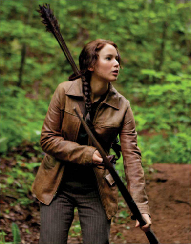 Katniss Everdeen Hintergrund probably with a schütze and a muskete called Katniss