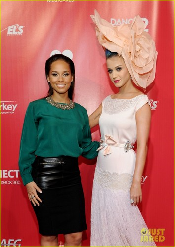 Katy Perry: Petal Power for MusiCares!