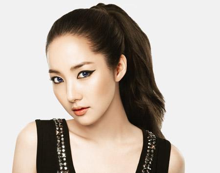 Korean actress Park Min Young's makeup