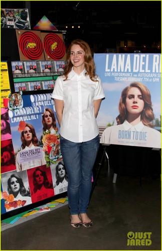 Lana Del Rey: Amoeba muziki Hollywood Signing!