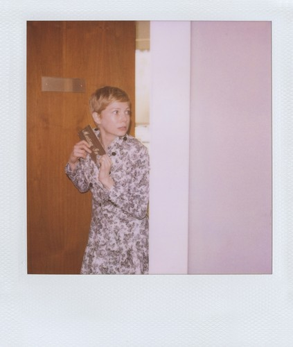 """Michelle Williams for """"Boy"""" kwa Band of Outsiders - Spring 2012"""