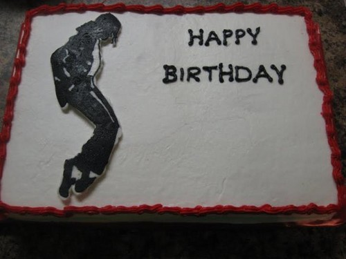 O.M.G i want that cake :D