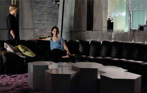 Katniss Everdeen fond d'écran called Peeta and Katniss [HQ]