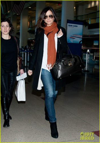 Sandra Bullock: LAX Lady - sandra-bullock Photo