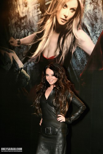 Sarah Brightman Hintergrund containing a well dressed person titled Sarah Brightman