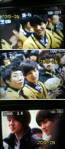 Se hun & Kai @ Seoul Perfoming Arts High School Graduation Ceremony