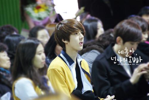 Se hun @ Seoul Perfoming Arts High School Graduation Ceremony