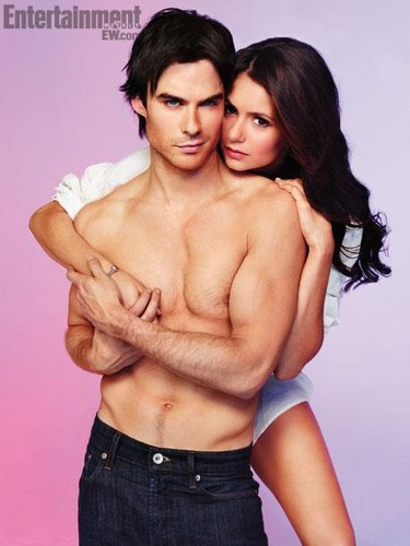 The Vampire Diaries TV دکھائیں پیپر وال with a hunk, skin, and a six pack titled TVD-EntertainmentWeekly