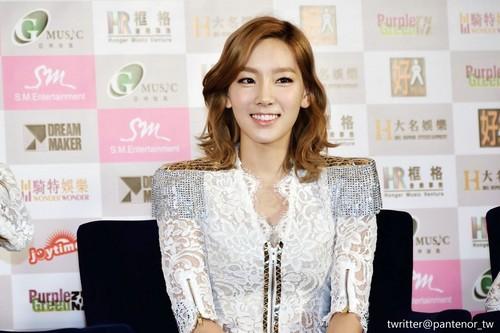 Taeyeon @ 2012 Girls Generation Tour in Hongkong Press Conference
