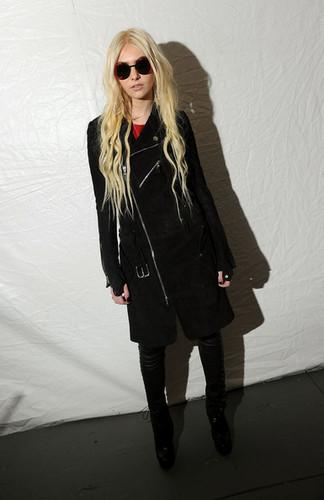 Taylor Momsen Fall 2012 Mercedes-Benz Fashion Week dia 2