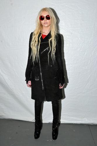 Taylor Momsen Fall 2012 Mercedes-Benz Fashion Week dag 2
