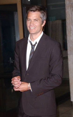 Timothy Olyphant 壁紙 with a business suit, a suit, and a two piece titled Timothy Olyphant