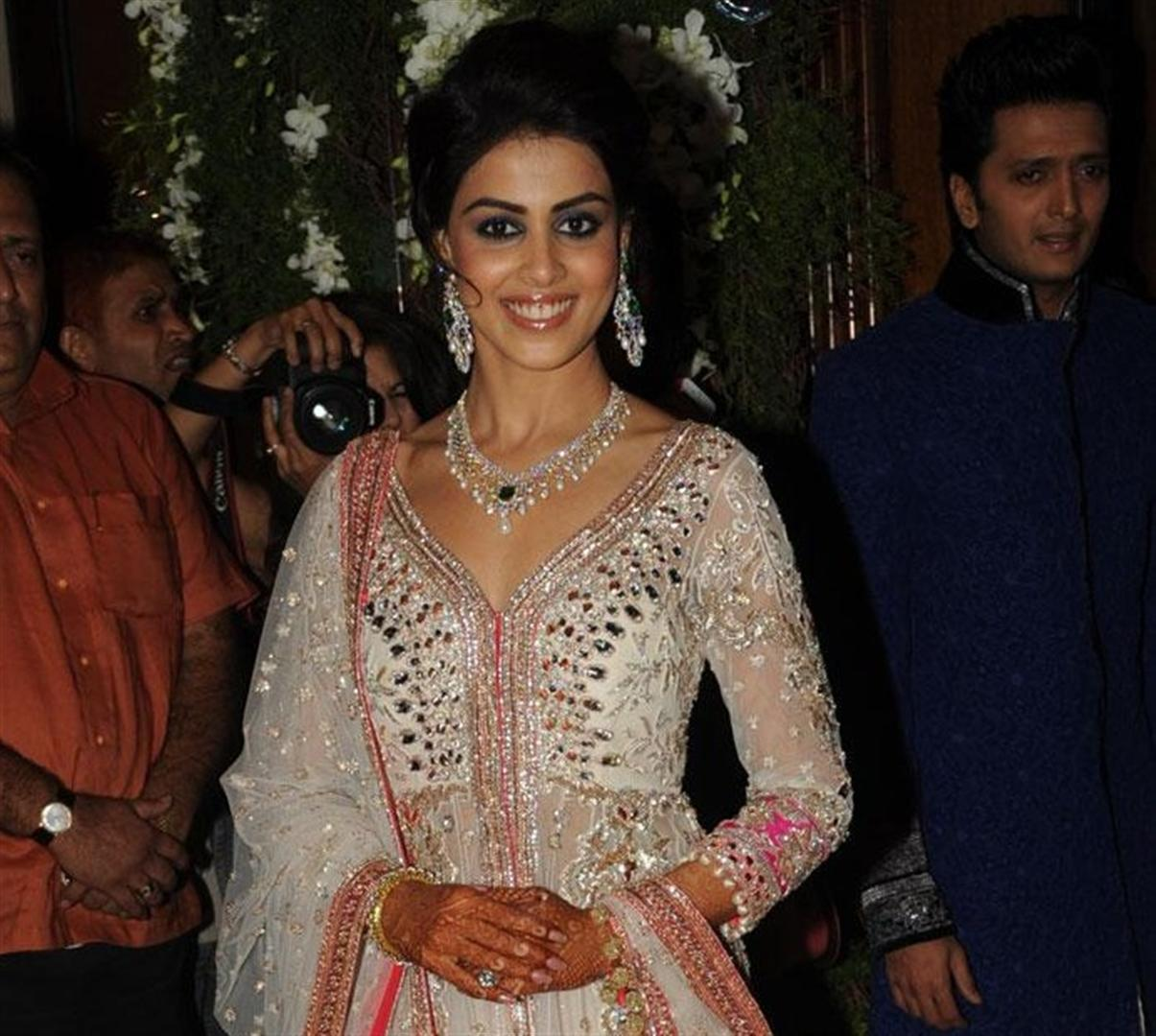 genelia d'souza :most cutest one images genelia and ritesh hd