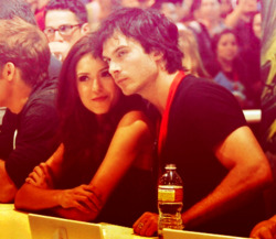 Ian Somerhalder and Nina Dobrev wallpaper possibly containing a brasserie and a bistro called nian...<3