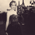 tay black and white!!
