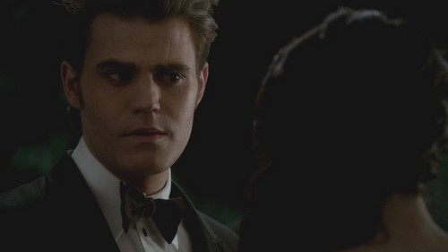 03x14 - Dangerous Liaisons - stefan-and-elena Screencap