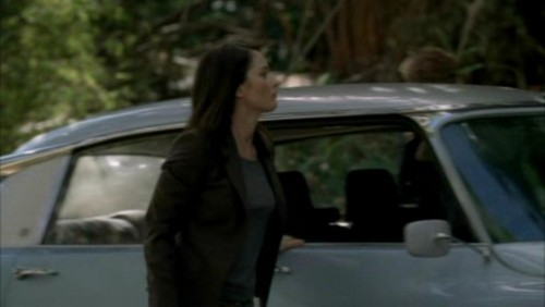 The Mentalist wallpaper possibly with a sport utility called 1x17- Carnelian Inc.