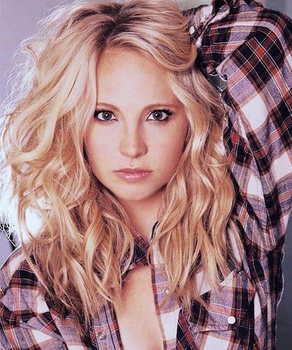 karakter wanita di tv wallpaper possibly containing a portrait entitled Caroline Forbes