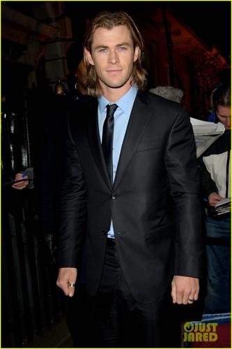 Chris Hemsworth & Elsa Pataky - BAFTAs 2012 Red Carpet