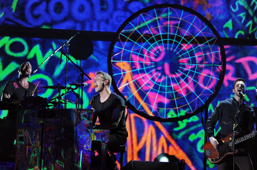 Coldplay performing @ the 54th Annual GRAMMY Awards - tunjuk