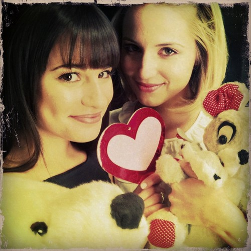 Lea Michele and Dianna Agron wallpaper titled Faberry won the best couple on E!