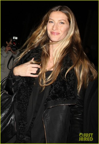 Gisele Bundchen: Alexander Wang Runway Model!