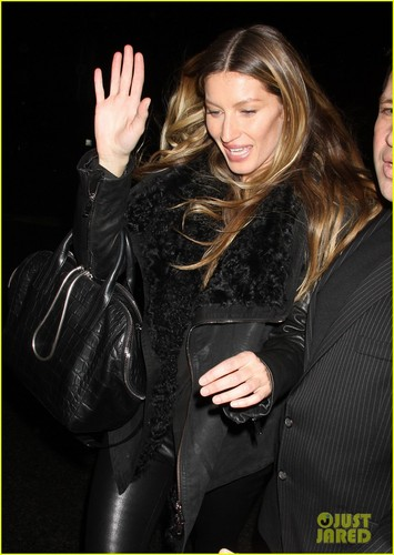 Gisele Bundchen: Alexander Wang Runway Model! - gisele-bundchen Photo