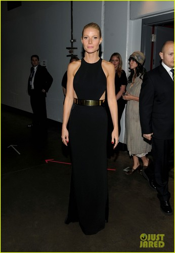 Gwyneth Paltrow - Grammys for Adele!