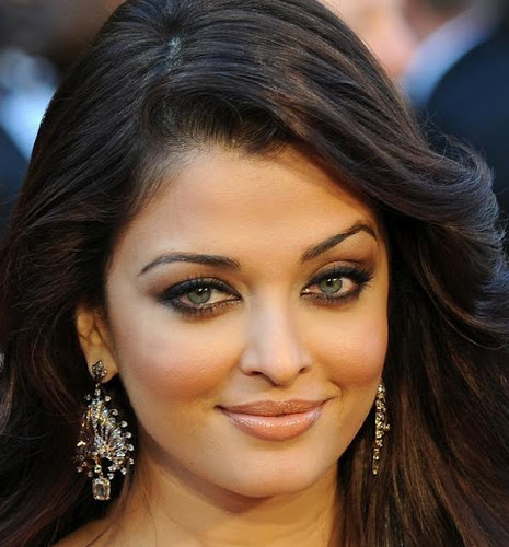 Indian Actress Aishwarya Rai's makeup