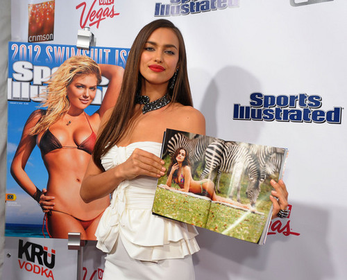 "Irina Shayk - ""Sports Illustrated"" badeanzug Launch Party - (14.02.2012)"