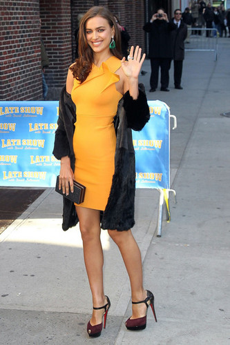 Irina Shayk at The Letterman Show - (13.02.2012)