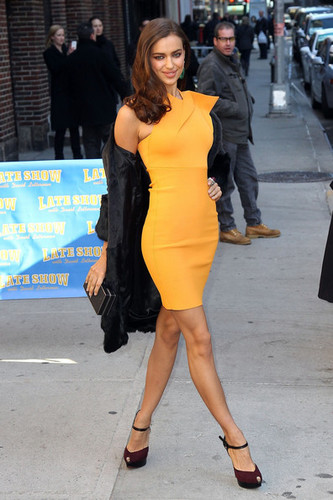 Irina Shayk at The Letterman tunjuk - (13.02.2012)