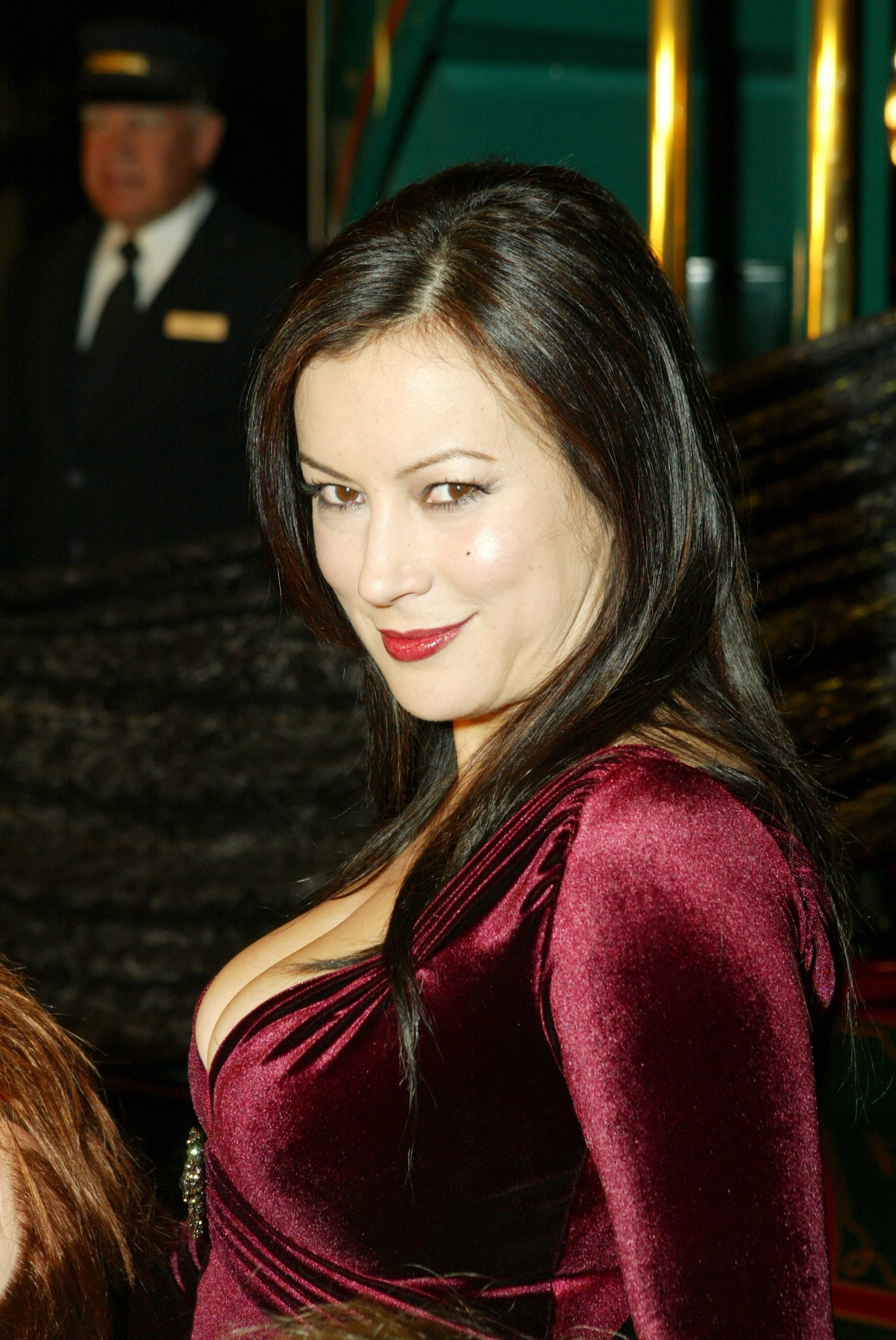 jennifer tilly modern familyjennifer tilly 2016, jennifer tilly 2017, jennifer tilly 2015, jennifer tilly nationality, jennifer tilly photo, jennifer tilly modern family, jennifer tilly twitter, jennifer tilly talks cult of chucky, jennifer tilly family, jennifer tilly pinterest, jennifer tilly poker, jennifer tilly фильмография, jennifer tilly net worth, jennifer tilly and phil laak, jennifer tilly listal, jennifer tilly tonight show, jennifer tilly ethnic, jennifer tilly filmleri