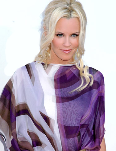 Jenny McCarthy wallpaper probably containing a blouse titled Jenny McCarthy