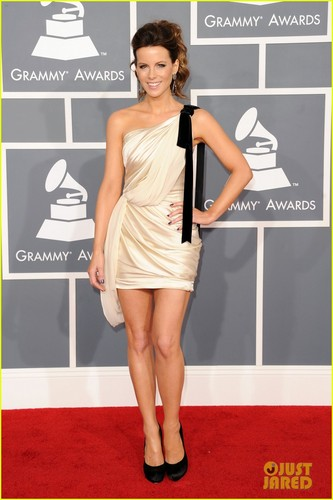 Kate Beckinsale - Grammys 2012 Red Carpet