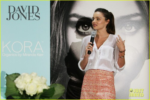 Miranda Kerr: Valentine's দিন KORA Promotion!
