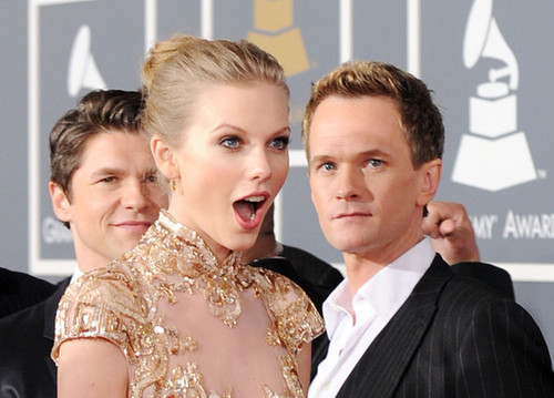 Neil, David and Taylor 迅速, 斯威夫特 @ the 54th Annual GRAMMY Awards - Arrivals