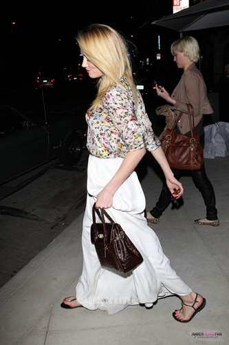 OUT IN BEVERLY HILLS WITH HER SISTER (FEBRUARY 9TH)