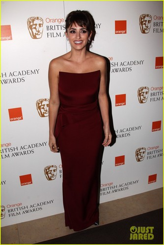 Penelope Cruz - BAFTAs 2012 Red Carpet - penelope-cruz Photo