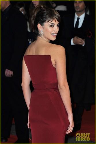 Penelope Cruz - BAFTAs 2012 Red Carpet