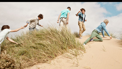 foto from the 'Up All Night' photoshoot! x