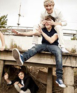 foto's from the 'Up All Night' photoshoot! x